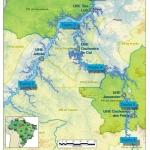 12. Les chantiers sur le fleuve Xingu couvrent une zone de 660 km². 20 000 ouvriers s'y relaient jour et nuit.